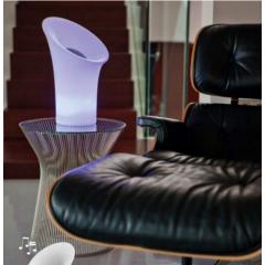 Lampe autonome avec haut parleur Bluetooh Design Nipper
