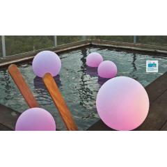 Boules lumineuses solaires et flottantes